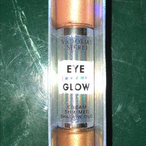 Cream eyeshadow duo